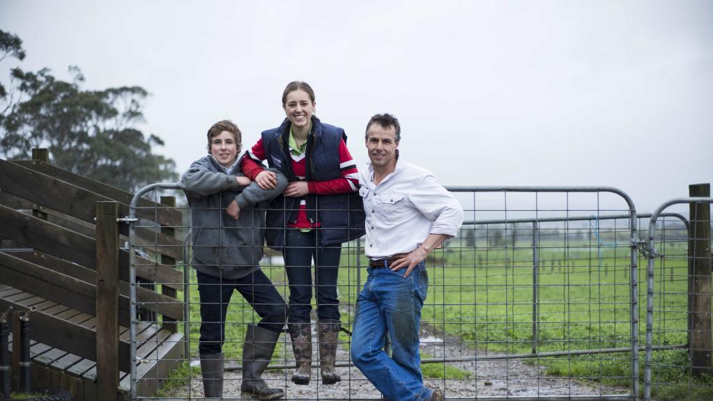 Henry, Emma & Matt Dickinson at Ballarat Grammar (Courtesy of Dannika Bonser, Weekly Times)